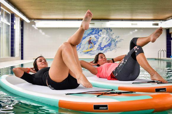 Yoga op het water, kan nu ook in de winterperiode.