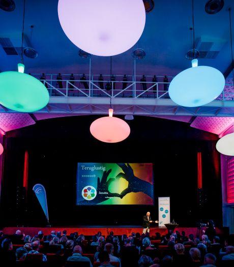 Zwollenaren kunnen zelf het podium van Theater Buitensoos op deze zomer