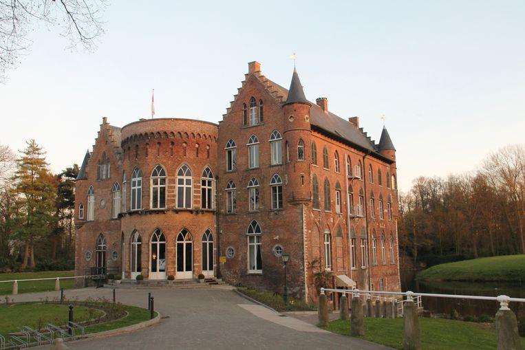 Het nieuwe toeristische onthaal komt in de vestibule van het kasteel Wissekerke en dus niet in een apart gebouw daarbuiten.