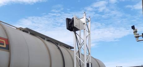 Deze smartcamera's weten continu waar wagons met gevaarlijke stoffen zijn in Moerdijk