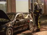 Autobrand in Bergen op Zoom, vermoeden van brandstichting na gevonden fles terpentine