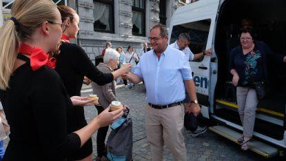 Jarige Shopping Shuttle deelt cupcakes én vip-pakketten voor Maanrock uit