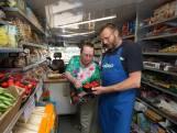Tonnie stopt na veertig jaar met zijn rijdende winkel: 'Van sommigen heb ik al een paar keer afscheid genomen'