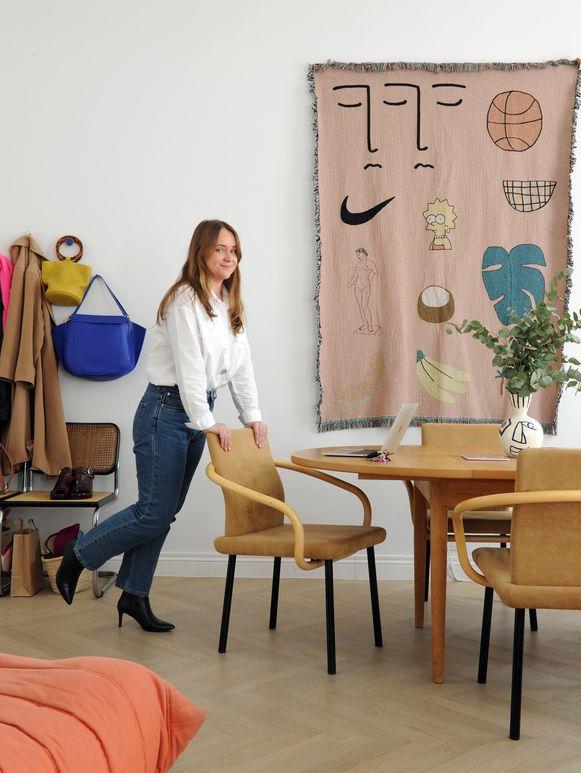 Karen Moreaux woont in een flat in een burgerwoning in Gent.