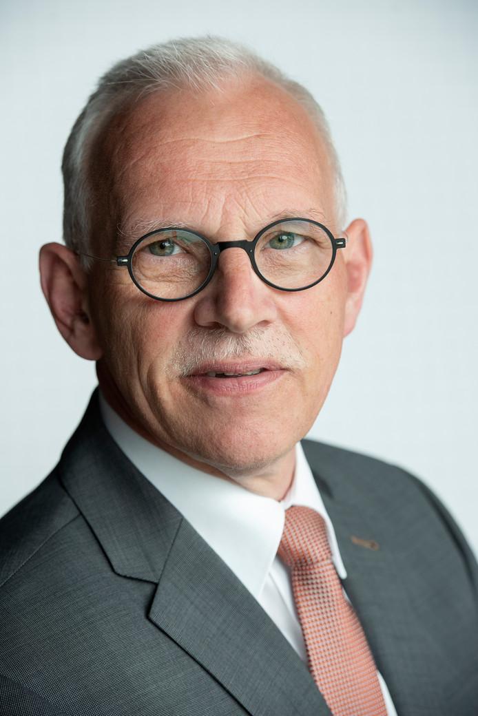 Wethouder Kees Oskam denkt dat de huizen uiteindelijk wel verkocht zullen worden.