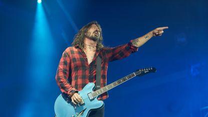 Dave Grohl geeft 10-jarig wonderkind zijn gitaar
