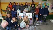 School helpt Den Azalee bij inzameling textiel