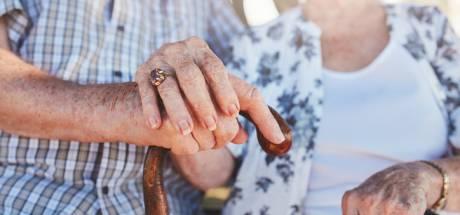 """À 88 ans, il tue sa femme atteinte d'Alzheimer à coups de couteau: """"Elle était mauvaise"""""""