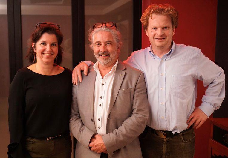 Het nieuwe bestuur Rotary Ninove-Dendervallei: Monique Offermans als vorige voorzitter, Claude Dendauw als huidige voorzitter en Filip De Smedt als toekomstige voorzitter.