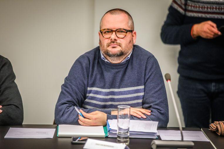 David Van Moerkercke zetelt in de gemeenteraad voor WIT, maar komt bij de nationale verkiezingen op voor Groen
