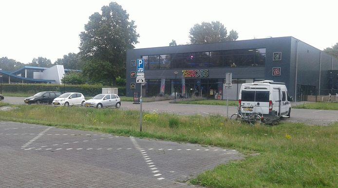 De borden zijn een week nadat ze werden weggehaald weer teruggeplaatst op de camperplaats in Apeldoorn-Zuid.