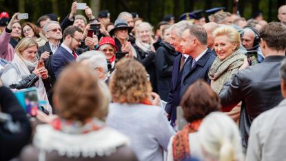 Koning Filip bezoekt Poolse begraafplaats in Lommel