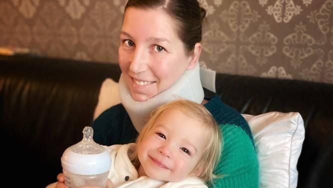 """Iedereen in de bres voor mama Nele (38), nu er al 55.000 euro is ingezameld: """"Ten volle genoten van het weekend met mijn gezinnetje en moed gekregen om alweer eerste chemo te ondergaan"""""""