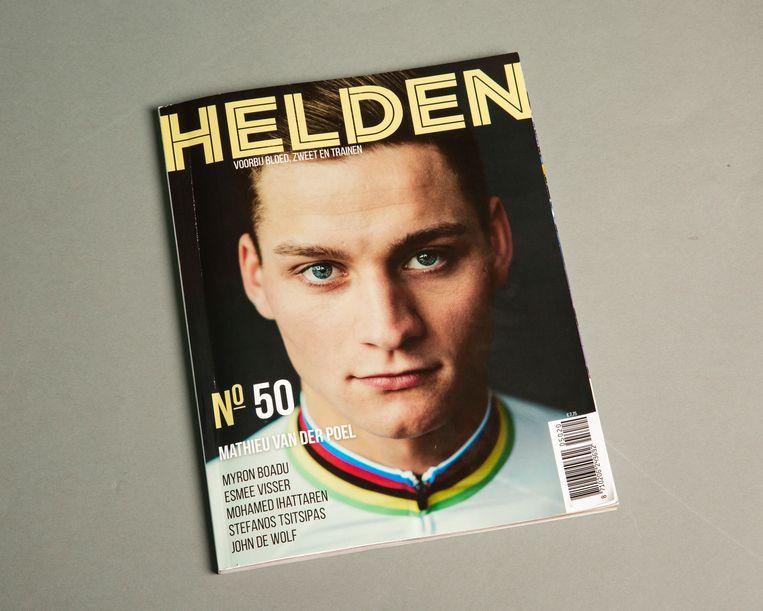 De cover van helden editie 50 waarin het interview met Mohamed Ihattaren staat. Beeld