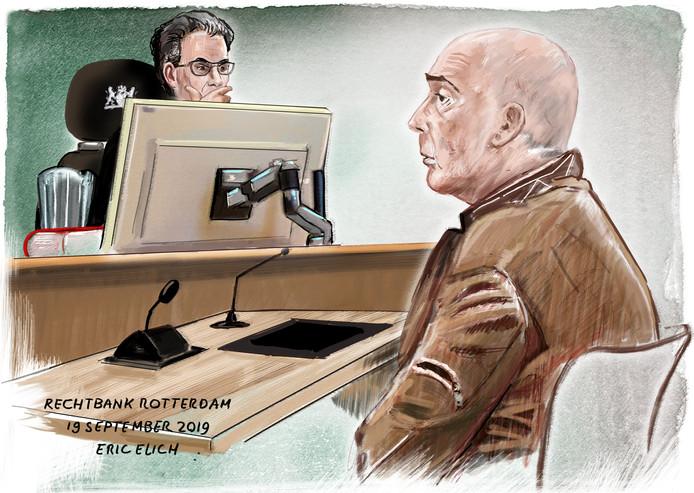 Het OpenbaarMinisterie heeft een jaar gevangenisstraf en tbs met dwangverpleging geëist tegen de 49-jarige Richard H.