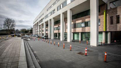 """""""Water staat aan de lippen"""": kleinere ziekenhuizen in Limburg zien de grenzen van hun capaciteit"""