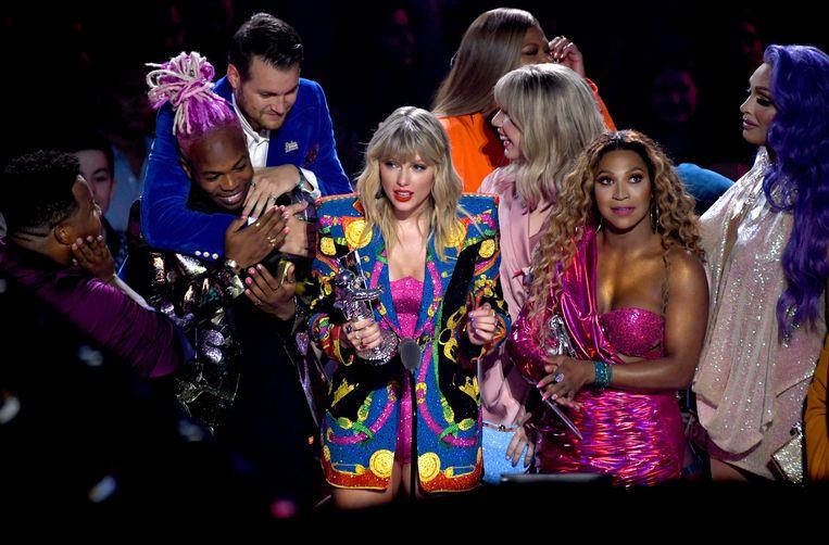 Taylor brak tijdens haar dankwoord een lans voor de diversiteit en de LGBTQ-gemeenschap.