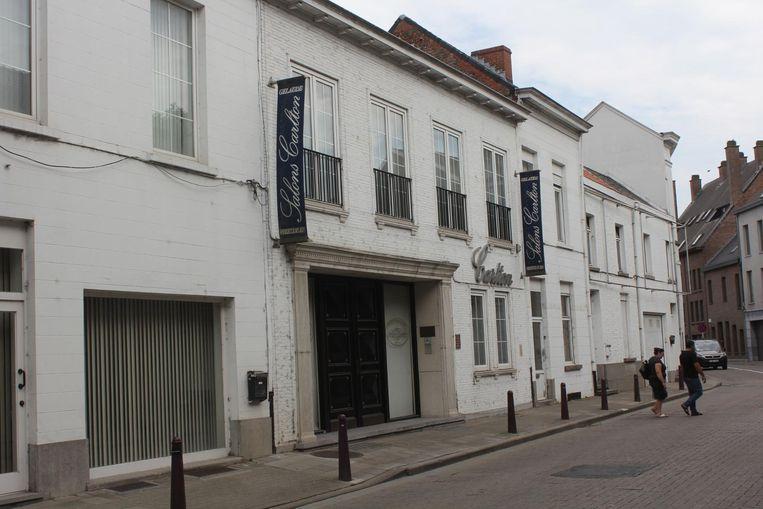 Salons Carlton in de Zonnestraat wordt binnenkort afgebroken.
