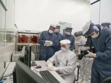 ASML Veldhoven werft technici in Aken met kleinste advertentie ter wereld