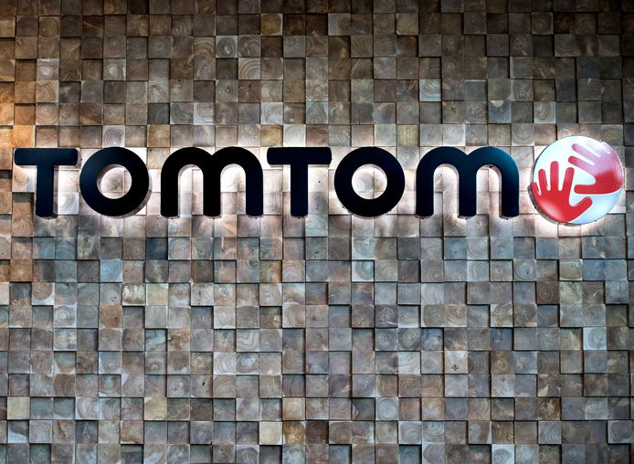 TomTom verkoopt zijn Telematics-divisie aan de Japanse bandenmaker Bridgestone. Dat bedrijf betaalt 910 miljoen euro aan de Nederlandse navigatiedienstverlener.