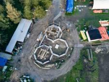 Deltion-leerlingen bouwen met Roggebotstaete een fort als studie-object