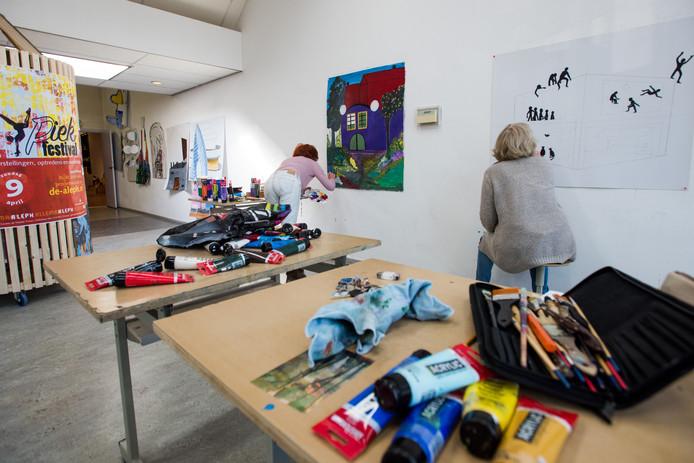 De voorbereidingen voor het Piek-festival, zondag 9 april in Drunen, zijn bij kunstencentrum De Aleph in volle gang.