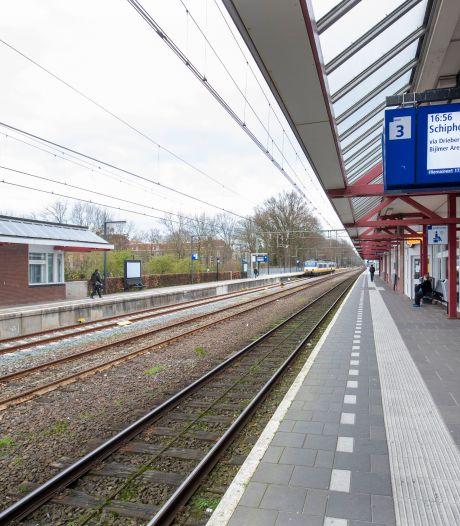 Man op het spoor geduwd op station Ede, agressieve verdachte aangehouden