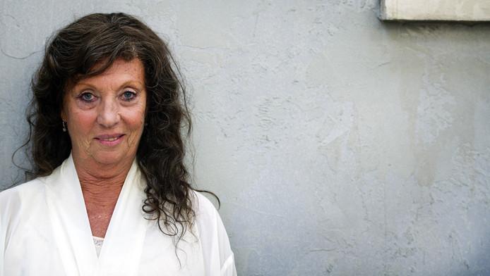 Portret van actrice Carry Tefsen als Opoe tijdens de opnames van 't Schaep in Mokum.