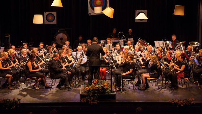 Oefenen voor het huldigingsconcert in Den Dungen.