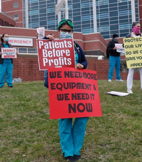 Doodsbange artsen VS checken testament: grote tekorten, zelfs mondkapjes hergebruikt