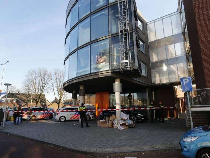 Voorwaardelijk geschorste advocaat (32) lichtgewond na steekpartij op kantoor in Eindhoven