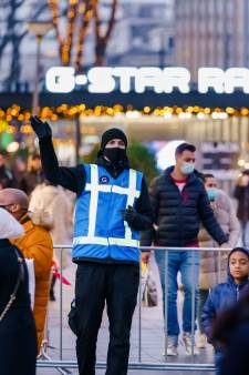 Wegversmallingen en minder parkeerplaatsen: Aboutaleb wil winkelend publiek afschrikken