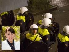 Vrouw ernstig gewond door klap ME'er na azc-protest