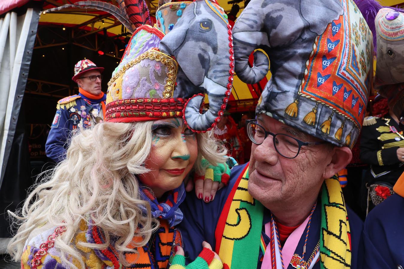 De dertigste Prins Bock dun Urste van carnavalsvereniging Wilhelmina is bedroefd over het afblazen van de optocht.
