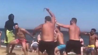 Britse toeristen massaal op de vuist op strand Barceloneta