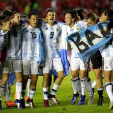 Voetballen voor een paar euro per dag, de Argentijnse vrouwen zijn het beu