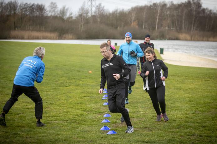 De hardloopclinic van Atletiekvereniging Twenterand begint. Op het Lageveld in Wierden.