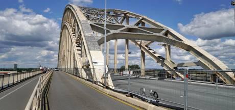 Verkeer kan bijna over 'nieuwe' Waalbrug van 62,5 miljoen