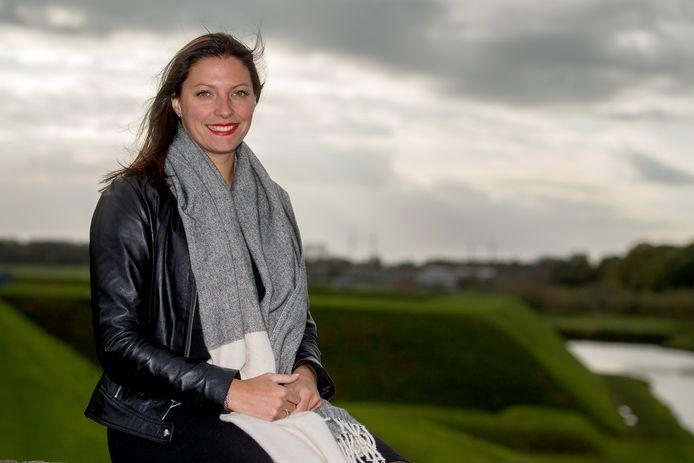 Hanne van Aart in de vesting Heusden. Nu nog wethouder in Heusden, straks burgemeester in Loon op Zand.