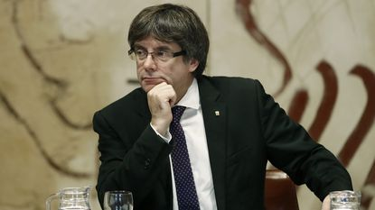Spanje zet politieke atoombom in na dreiging Catalaanse onafhankelijkheid: autonomie wordt opgeschort