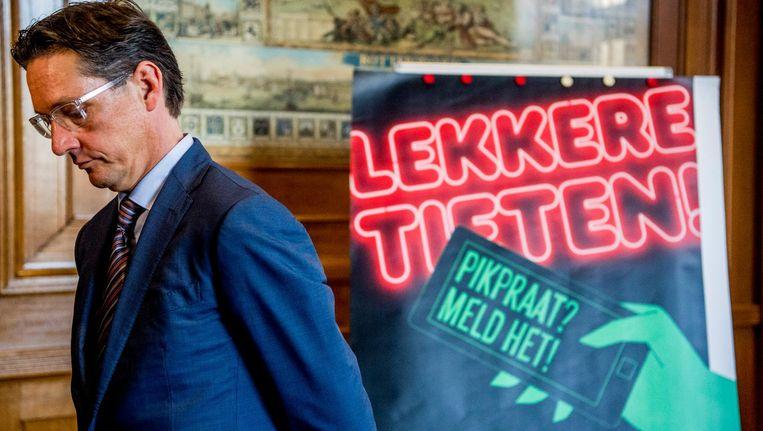 In Rotterdam wordt actief gestreden tegen straatintimidatie met de het lanceren van de ' Pikpraat' campagne Beeld Robin Utrecht