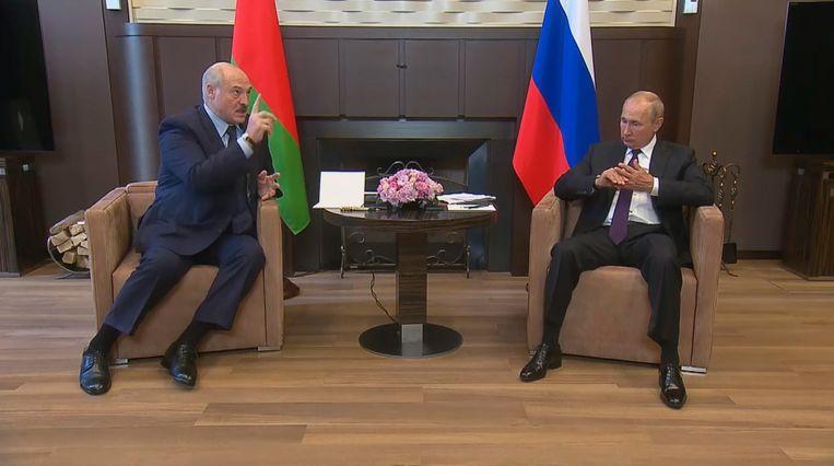 Loekasjenko en Poetin ontmoetten elkaar maandag in Sotsji. Beeld EPA