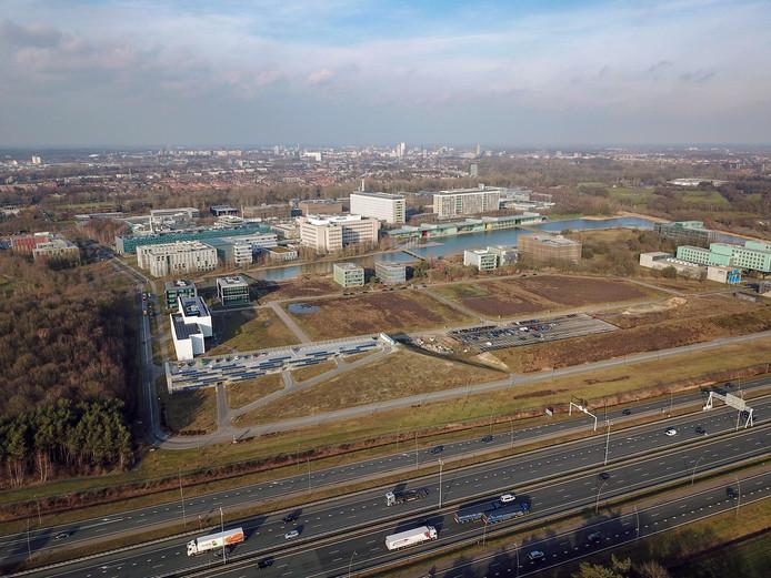Ten zuiden van de High Tech Campus zijn er plannen voor een nieuw parkeerterrein.