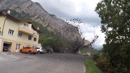 Modderstroom sleurt wagens mee in Zwitserse Alpen: grote zoekactie naar twee vermisten
