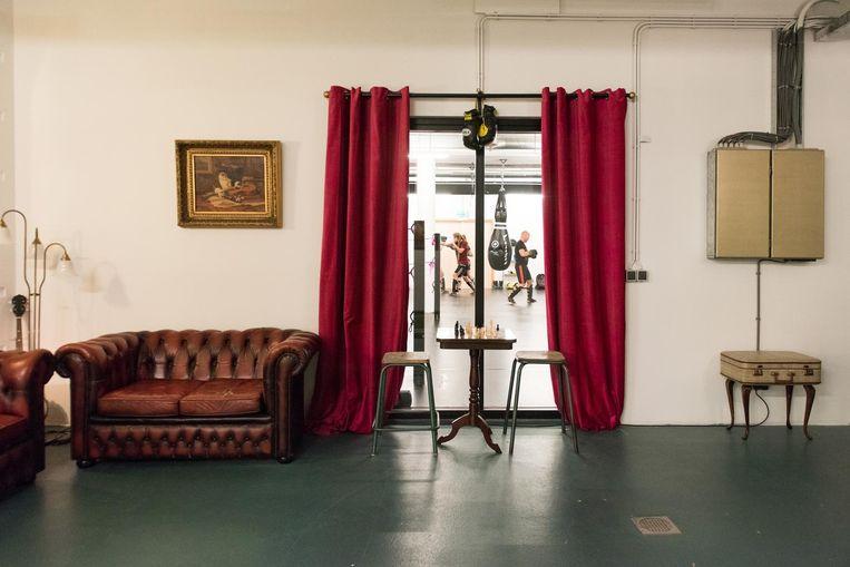 De boksschool zit in de kelder van de Muiderkerk Beeld Marijke Stroucken