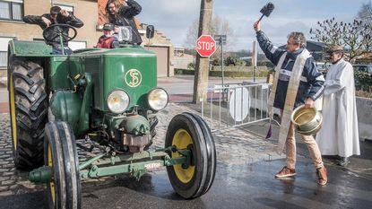 Tractorwijding wijkt uit door afzetting priester Brutin
