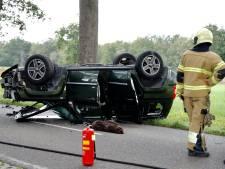 Auto slaat over de kop in Wanroij, drie vrouwen gewond