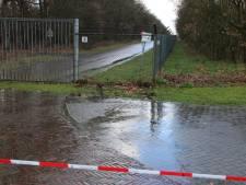 Dronken Duitser op afrit A1 bij Bathmen opgepakt na rammen slagboom op militaire vliegbasis Deelen