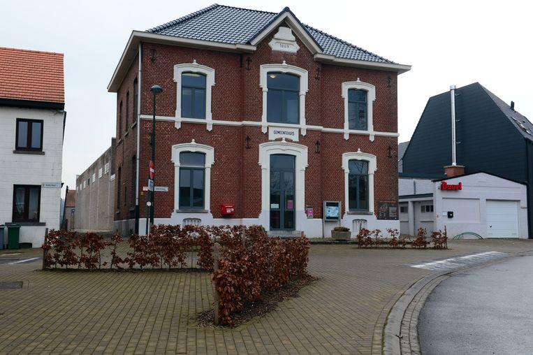 Het plein aan het oud gemeentehuis van Everberg zal binnenkort Gemeenteplein heten.