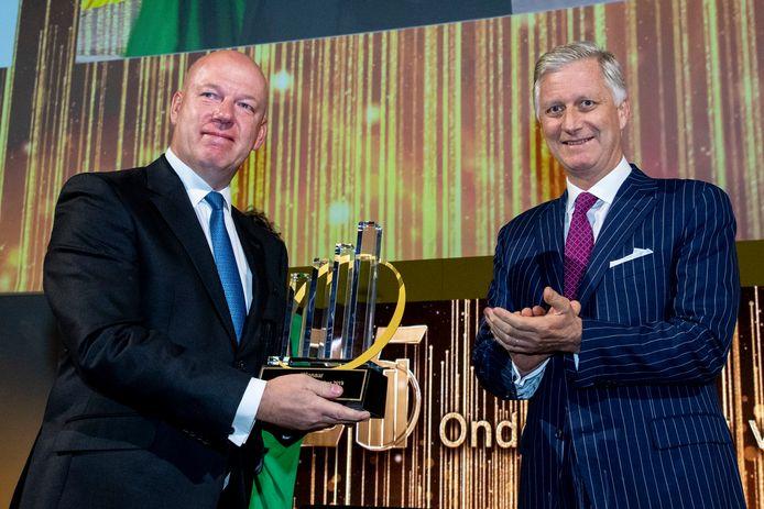 Eddy Duquenne, de CEO van Kinepolis, mocht vorig jaar de prijs van 'Onderneming van het Jaar' in ontvangst nemen van koning Filip.